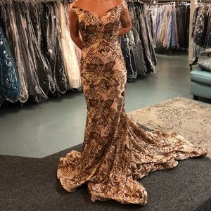 Bran new Jovani gown size 2